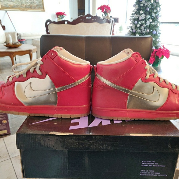 best service fdd74 d7de5 Nike Dunk High mork & mindy size 12 red silver